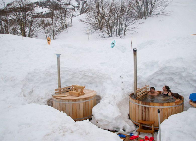 Balades en raquettes accompagnée + bain nordique avec l'Aventure Nordique