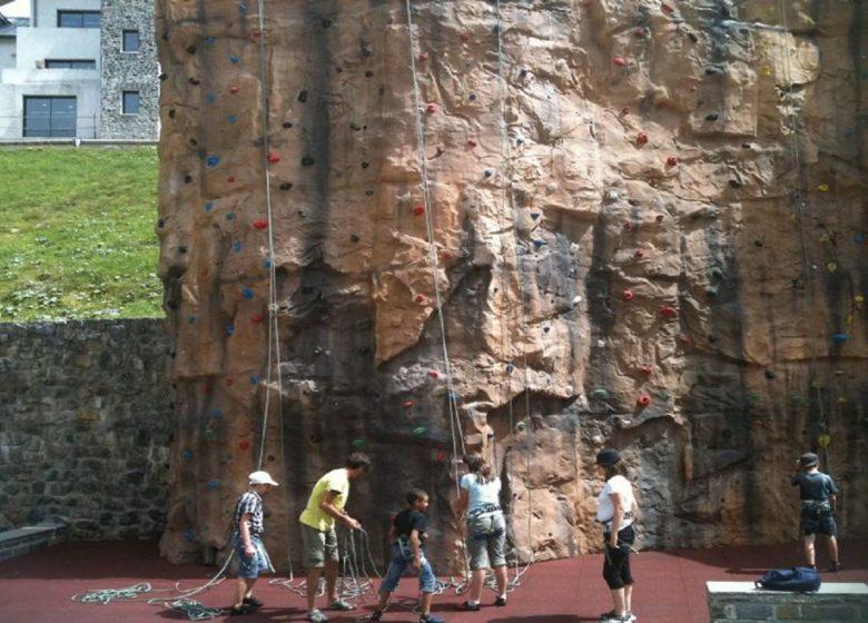 Mur d'escalade extérieur